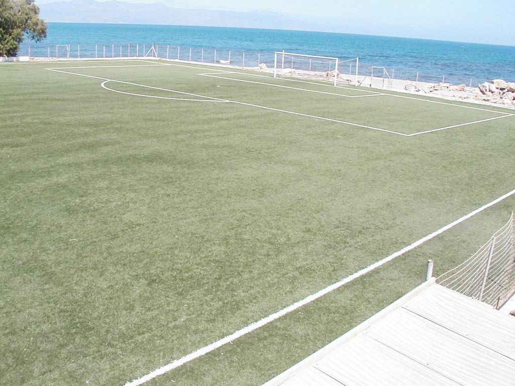 Εργασίες στα γήπεδα Καθιανών και Πλατανιά Ν. Χανίων