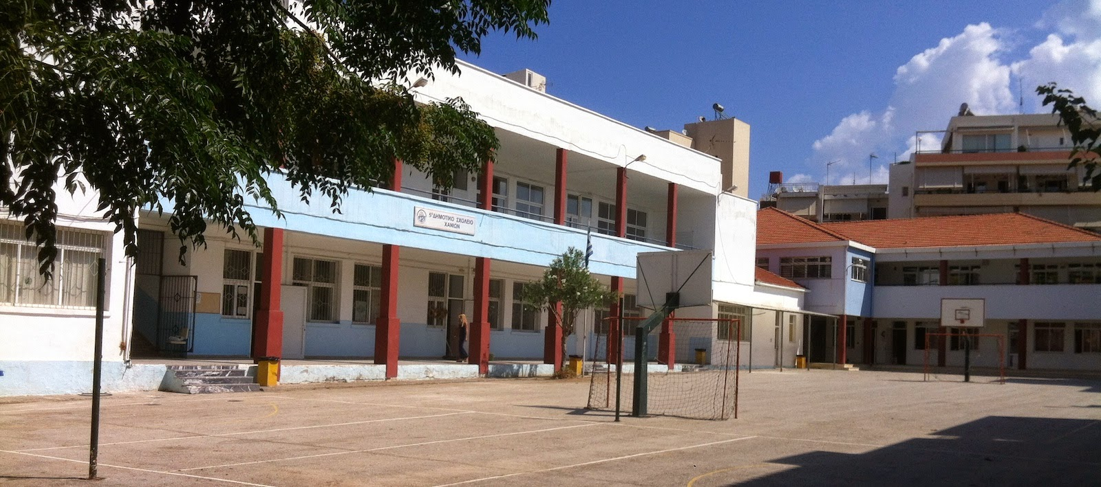Addition of rooms and laboratories in the school of Amberia at Chania